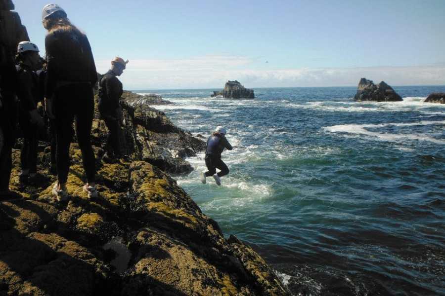 rotsklimmen-boven-zee-gezinsreizen-puurvangeluk