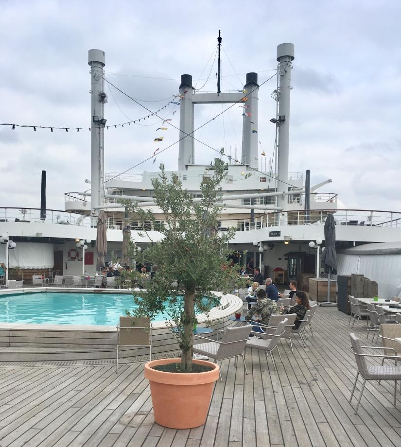 ss-rotterdam-dek-zwembad-puurvangeluk