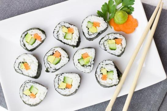 sushi-2112350_640